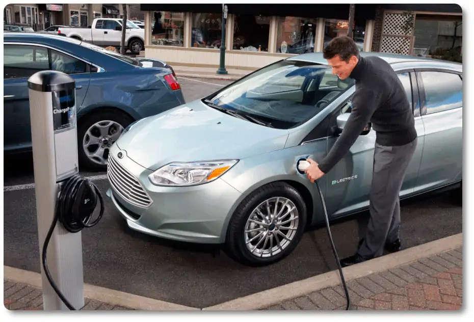 imagen coche eléctrico segunda mano