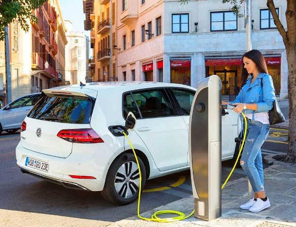 vehículos eléctricos en robledo de chavela