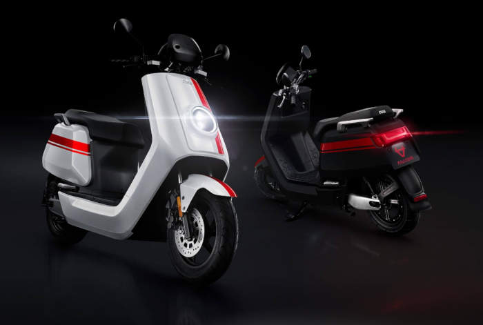imagen niu ngt scooter electrico
